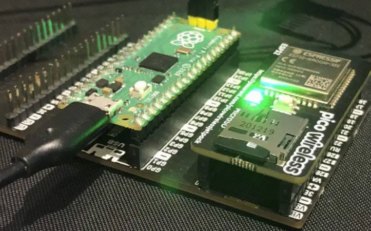 """自制USB供电的 """"ESP32 Pico无线 """"板"""